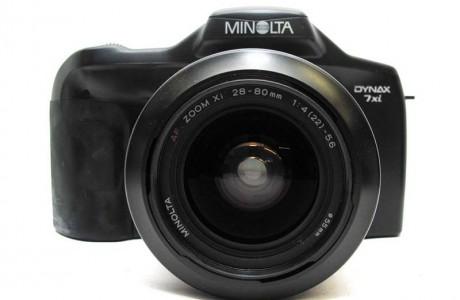 מינולטה Dynax 7xi